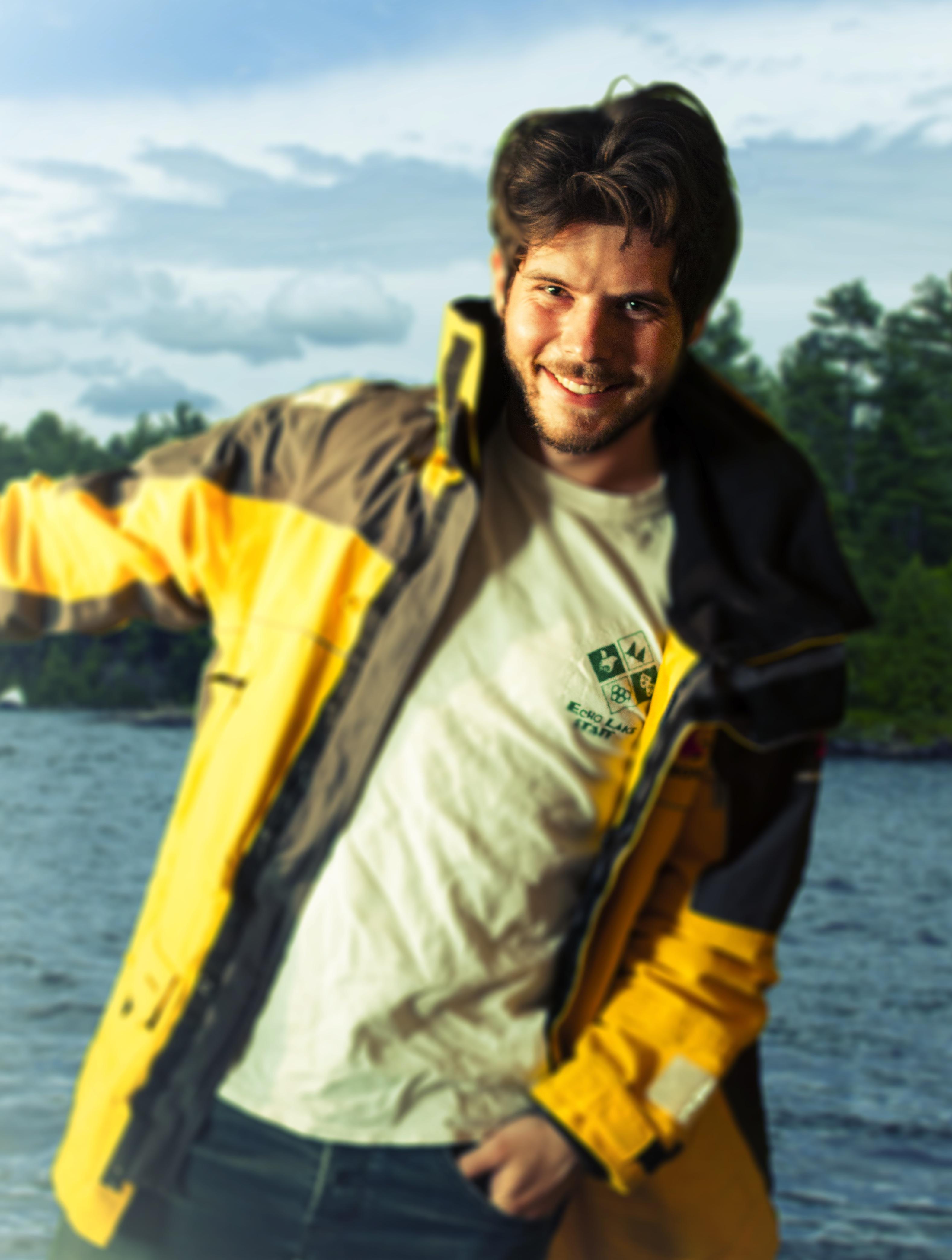 Mikolaj Sailing